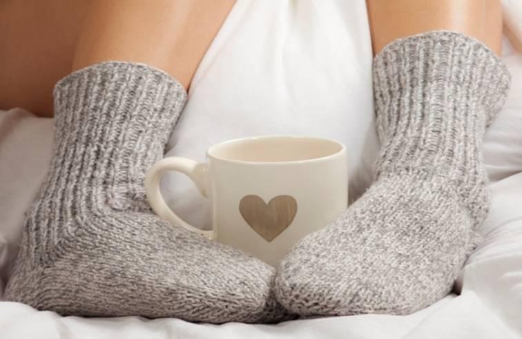 ประโยชน์ 4 อย่าง ของการสวมถุงเท้านอน