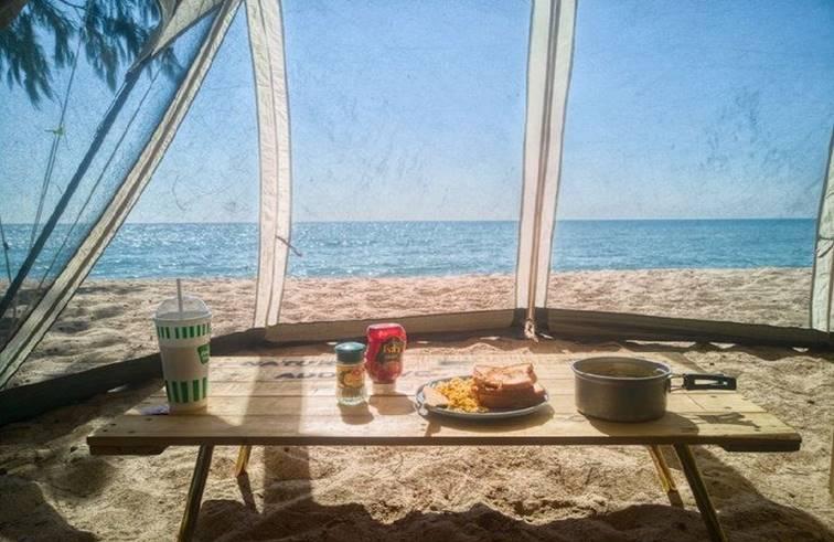 ลานกางเต็นท์หาดนภาธาราภิรมณ์