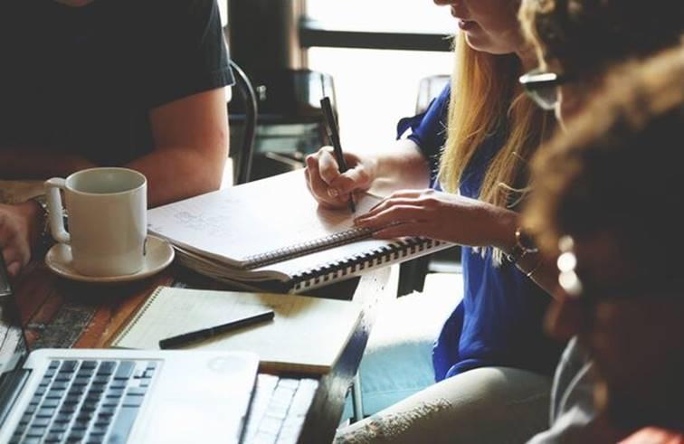 หลายคนตัดสินใจลาออกจากงานที่ตนรัก
