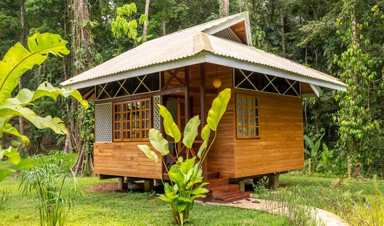 บ้านไม้สไตล์คาริเบียน 1 ห้องนอน 1 ห้องน้ำ อบอุ่นกลางไพร สุขใจแบบพอเพียง