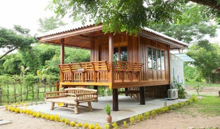 บ้านไม้ยกพื้นขนาดเล็กน่ารัก ดีไซน์เรียบง่ายเพื่อการพักผ่อน ท่ามกลางบรรยากาศธรรมชาติ