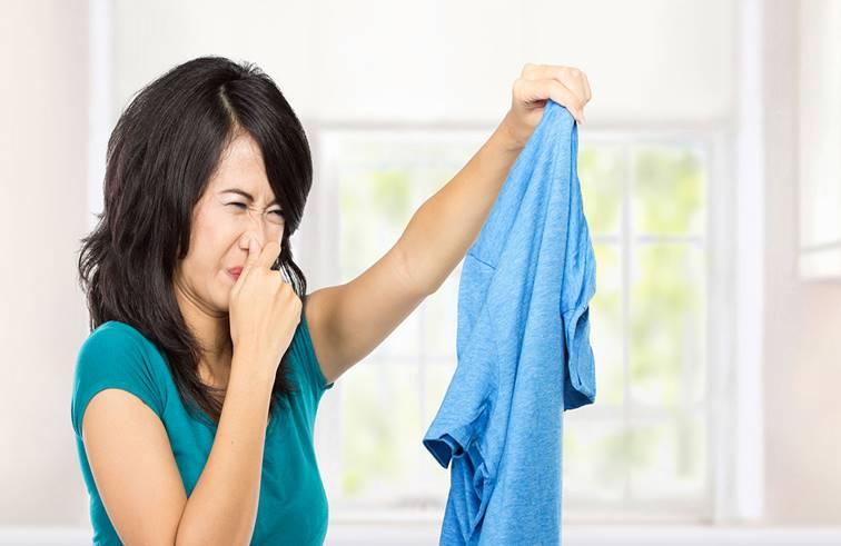 แม่บ้านทำตามได้ 3 วิธีแก้ผ้าห่มมีกลิ่นอับ ดีกว่าไปตากแดด